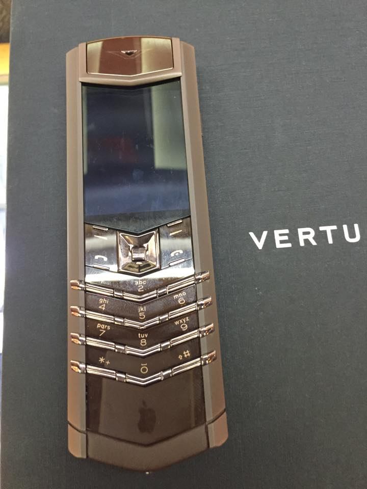 Vertu Signature S Pure Chocolate