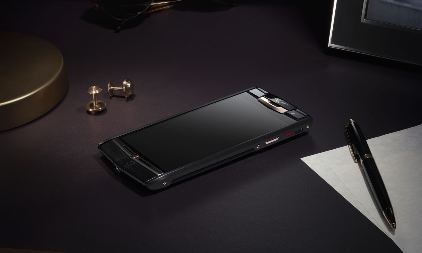 Vertu-Signature-Touch-Pure-Jet-Red-Gold