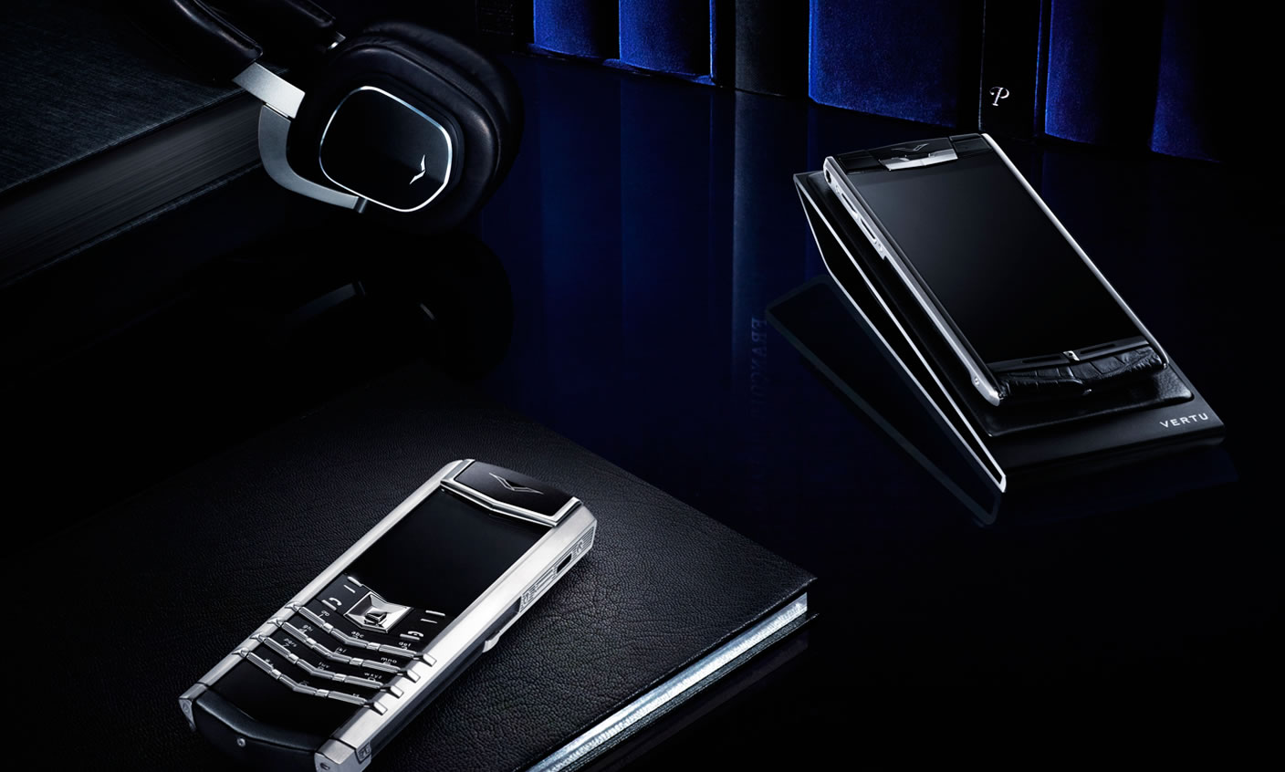 Vertu-Signature-Touch-Seaspray-Lizard-Chinh-hang